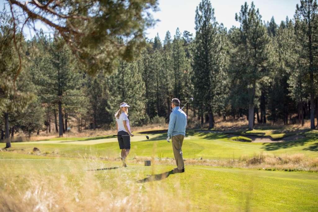 Couple Par 3 The Dragon Golf